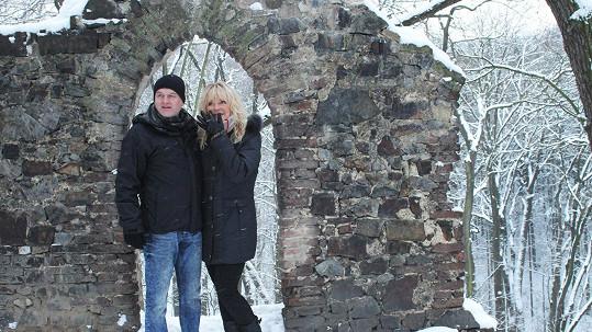 Věra Martinová s přítelem, který pracuje jako terapeut.