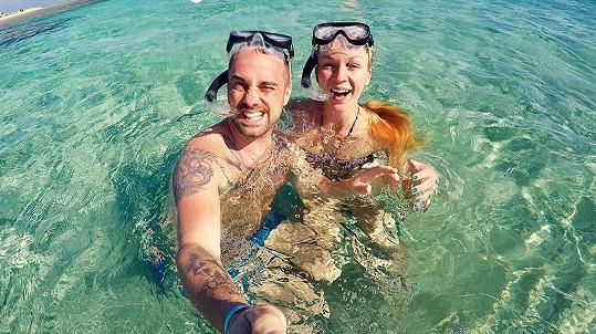 Petr Kutheil s přítelkyní Markétou strávili jeden z lednových týdnů v plavkách u moře