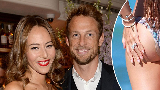 Jenson Button a jeho žena Jessica Michibata byli okradeni.