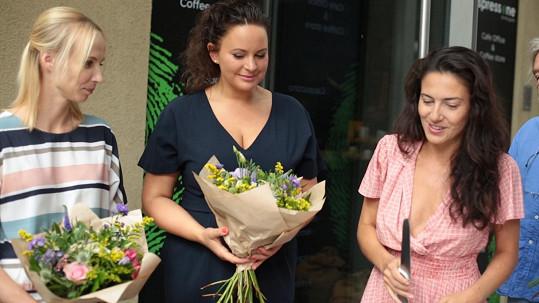 Lucia Siposová, Jitka Čvančarová a Jana Plodková se pustily do natáčení nového seriálu.