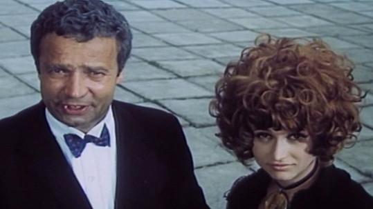 Vladimír Menšík a Petra Černocká v Dívce na koštěti (1971)