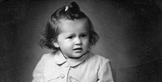 Známá česká herečka jako malé děvčátko.