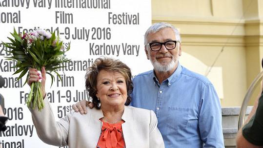 Jiřina Bohdalová přijela do Varů.