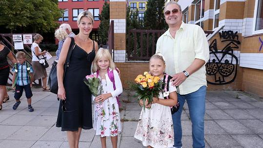 Dcery Sabiny Laurinové a Martina Zounara se hned skamarádily.