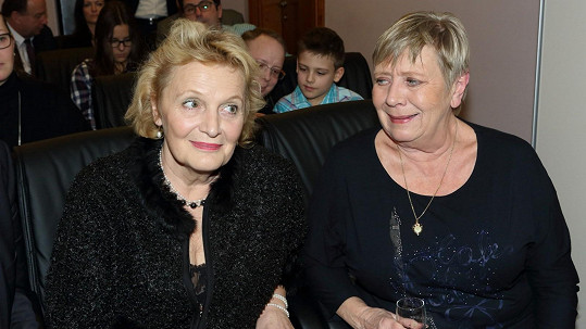 Regina Rázlová s Jaroslavou Obermaierovou