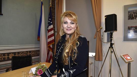 Manželka Miloše Formana Martina navštívila Prahu.