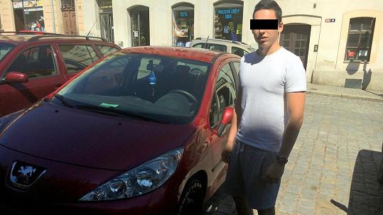 Mladík, jehož rodině moderátor Kraus měl poškodit auto.