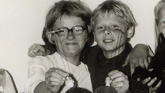 Známý zpěvák už v dětství projevoval světské geny.
