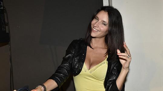 Nikola Zvěřinová je podruhé těhotná.