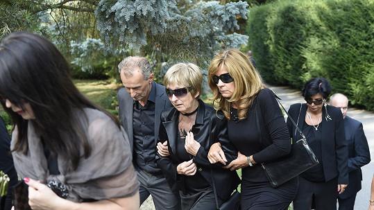 Na pohřeb Iva Špese ze Slovenska dorazila jeho zdrcená rodina.