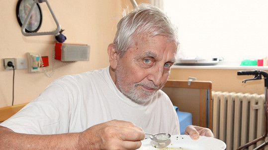 Jaroslav Čejka si život v domově seniorů pochvaluje.