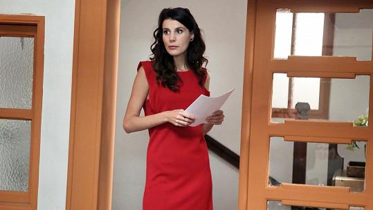 Monika Timková coby ambiciózní stážistka v seriálu Krejzovi