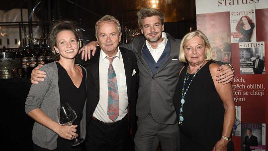 Alexander Hemala s rodinou