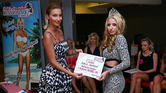 Dominika Mesarošová se svou novou modelkou Karlou Adámkovou