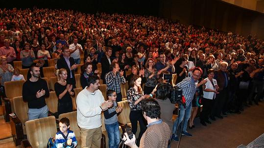 Gott se dočkal potlesku vestoje od tisícovky fanoušků.