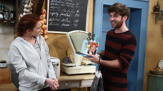 Roman Tomeš dostal k narozeninám dort s fotkou svého idolu.