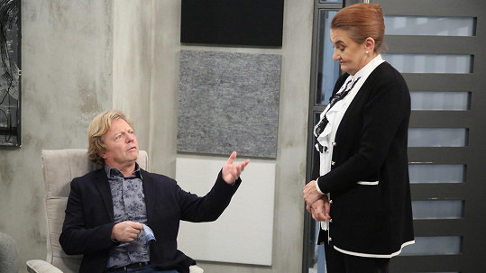 Eva Holubová a Maroš Kramár v novém seriálu Slunečná
