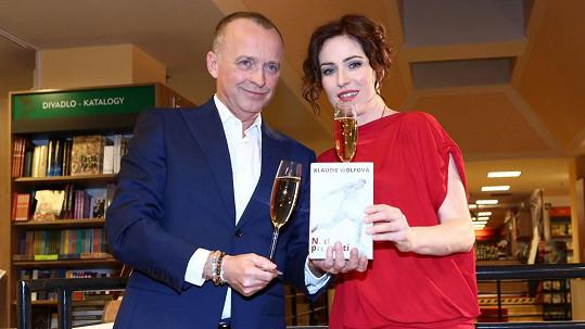 Karel Voříšek v seriálu se Soňou Norisovou
