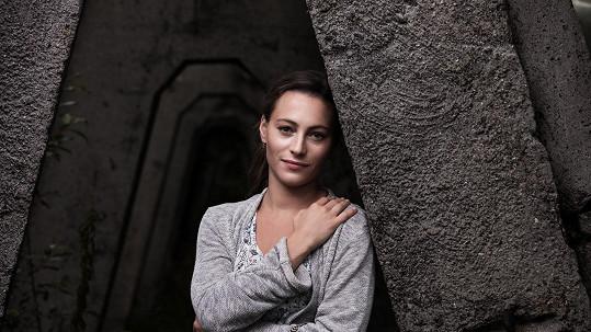 Johana Matoušková hraje v novém krimi seriálu Vzteklina.