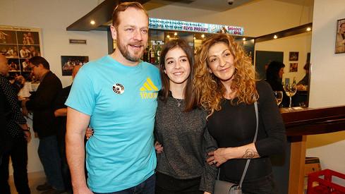 Filip Blažek s manželkou a dcerou