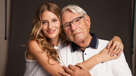 Topmodelka Linda Vojtová s dědečkem Vadimem Petrovem