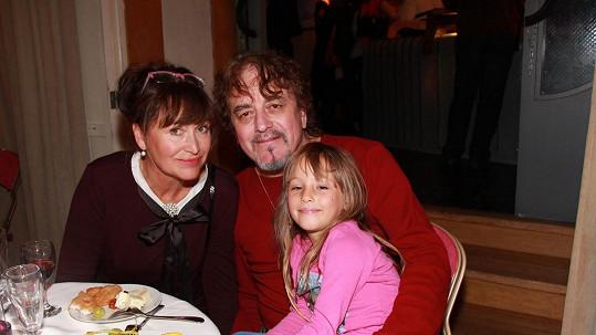 Petra Černocká s manželem jJřím Pracným a vnučkou Olivií Coco