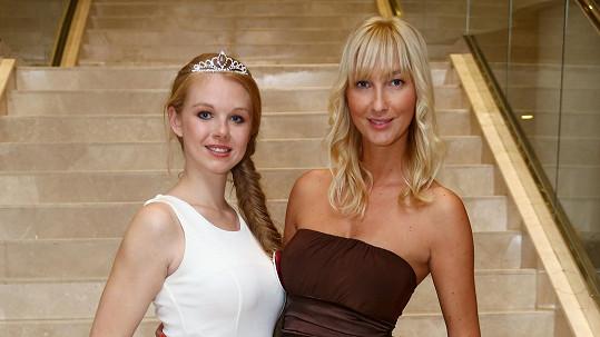 Anna Šebková s Dominikou Mesarošovou