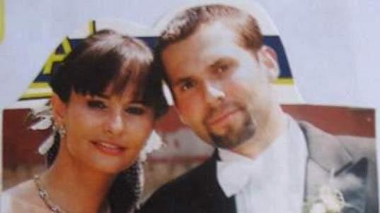Monika Absolonová na svatební fotce s Václavem Eiseltem.