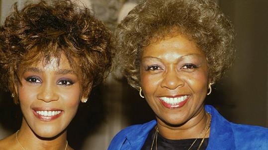 Whitney Houston s maminkou Cissy Houston.
