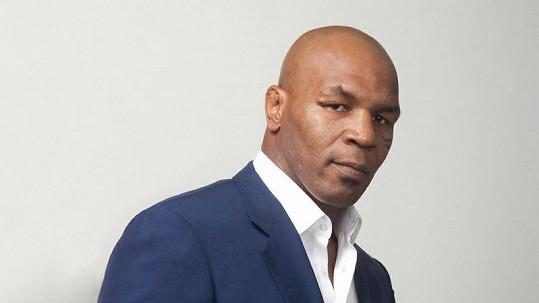 Mike Tyson přesedlal z boxerského ringu na holuby.