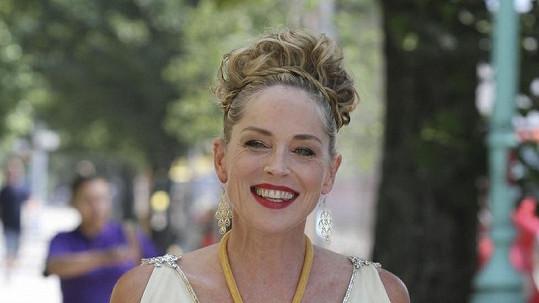 Sharon Stone jako Afrodita.