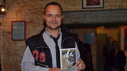 Petr Rajchert se svou knihou