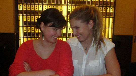Patricie Solaříková se sestrou Lindou