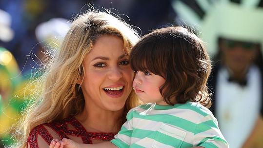 Shakira se hodlá rok věnovat Milanovi a druhému potomkovi, kterého čeká s fotbalistou Piquém.