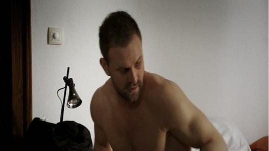 Doktora Ludského alias Tomáše Maštalíře čekají v seriálu tři sexuální partnerky.