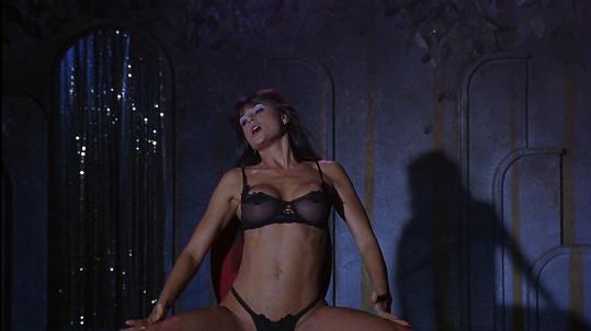 Připomeňte si, které slavné dámy se na plátně ukázaly v rolích striptérek.