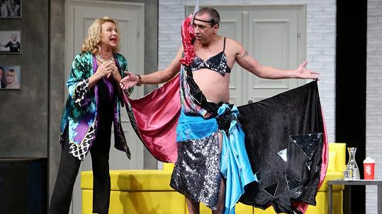 Jana Paulová s Davidem Suchařípou v komedii Lady Oscar