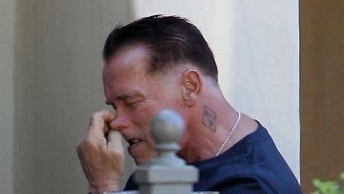Arnold Schwarzenegger byl přistižen během trapné chvilky.