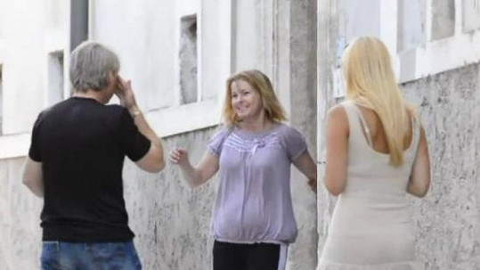 Iveta Bartošová se směje štěstím, Pepa pláče dojetím.