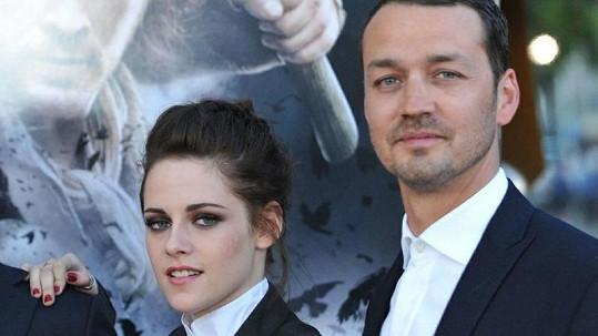 Kristen Stewart a Rupert Sanders svým románkem způsobili svým partnerům a rodině velké trápení.