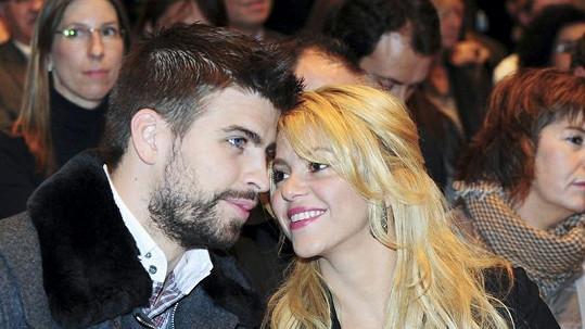 Shakira a Gerard Piqué si na potomka musí ještě pár dní počkat.