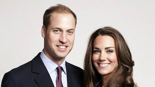 Na oficiálním snímku to královskému páru velice sluší.