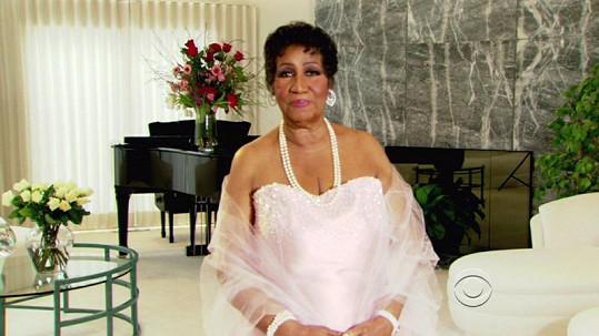 Soulová zpěvačka Aretha Franklin výrazně zhubla. Proces to však nebyl jednoduchý, rozbila i posilovací stroj.