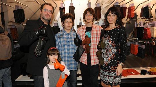 Pepa Polášek s manželkou a dětmi Pavlem, Pepíkem a Alžbětou