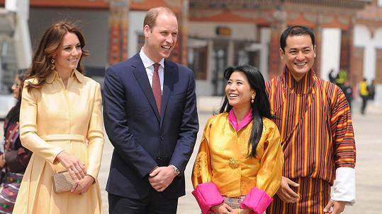 Vévodu s vévodkyní z Cambridge v Bhútánu přivítala sestra krále s manželem.