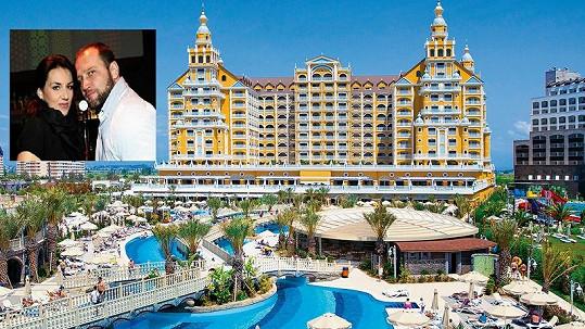 Králová a Šlégr byli na dovolené v luxusním hotelu v Turecku.
