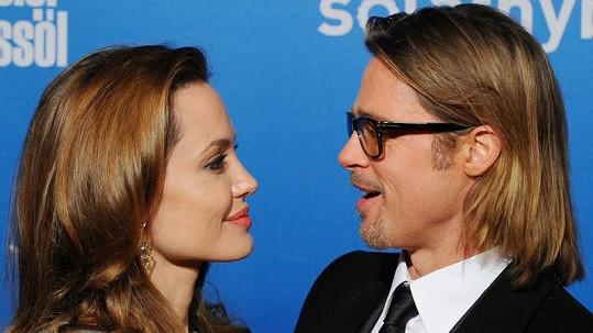 Angelina Jolie a Brad Pitt jsou stále zamilovaní.
