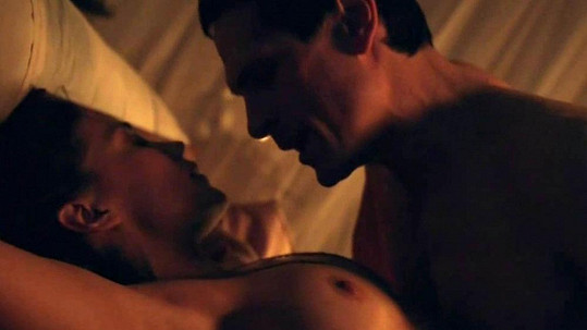 Jenna Lind v seriálu Spartakus.