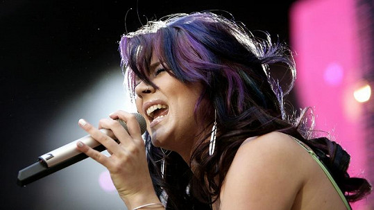 Úspěšná zpěvačka Joss Stone při jednom ze svých vystoupení.