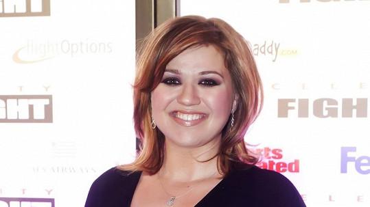 Kelly Clarkson porodila dceru.